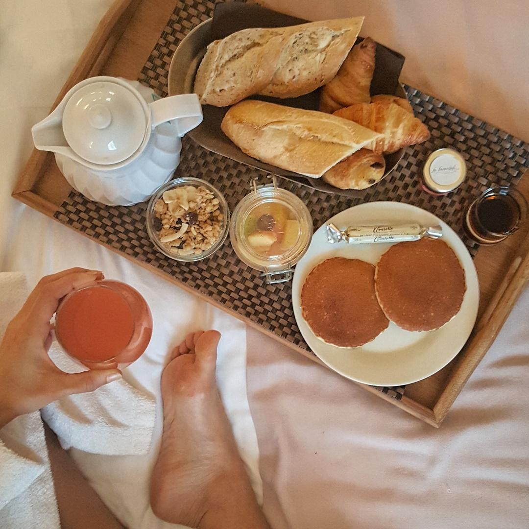 petit déjeuner hôtel la farandole