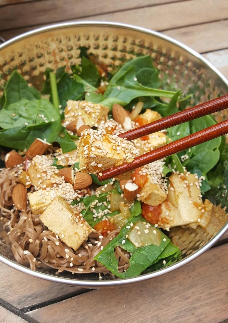 bowl tofu épinards recette saine facile