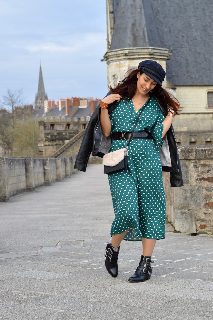 a681d1eee44 robe-longue-verte-a-pois-et-perfecto-en-cuir-look-hiver - Jenychooz
