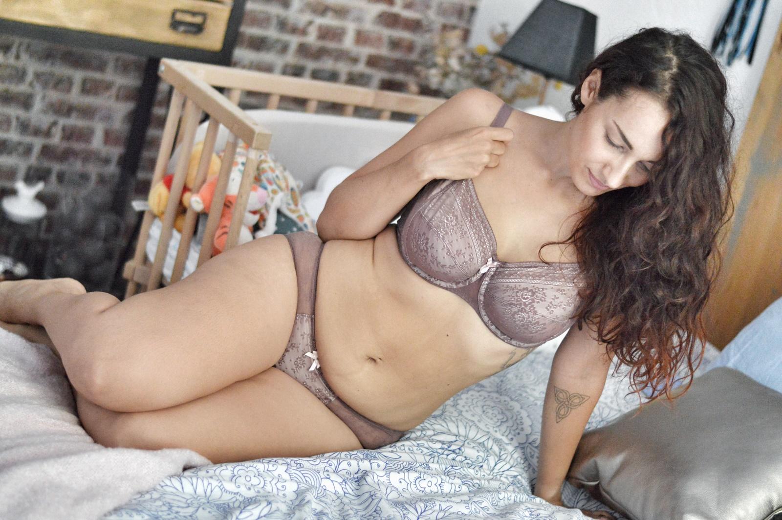 femme maman féminité Glamuse Anita maternité