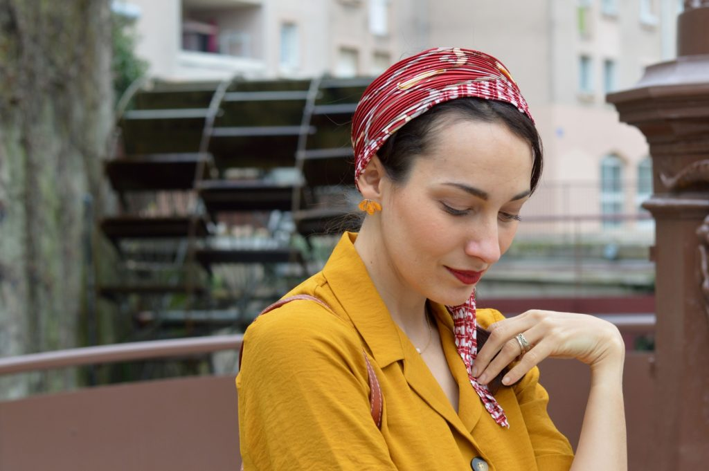 foulard dans les cheveux