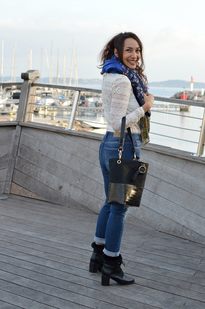 tenue casual jean slim tee-shirt dentelle