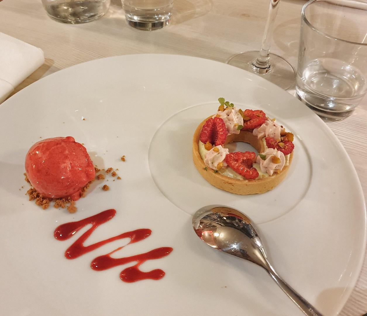 dessert tarte framboise pistache